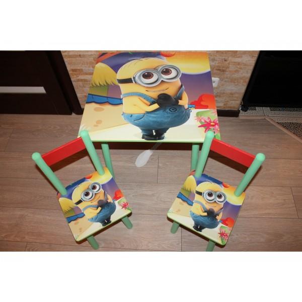 """Дитячий столик зі стільчиками DisneyToys """"Міньйон"""" (60*60 см), Україна"""
